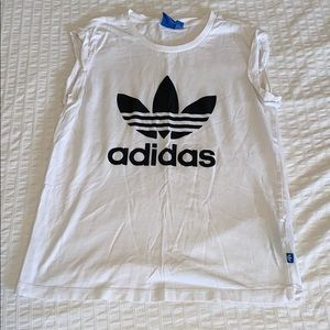 🌹3 for $25🌹ADIDAS - S White Graphic T-Shirt